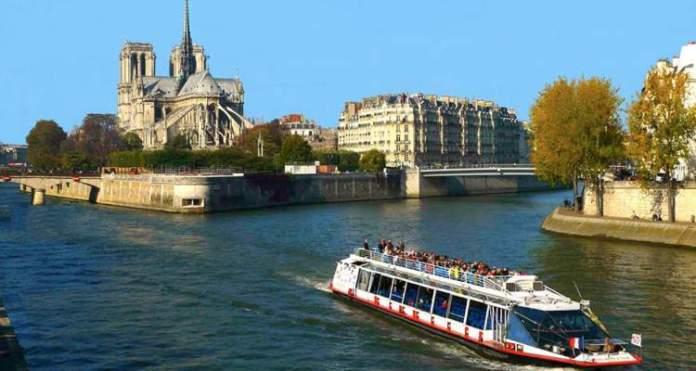 Passear de Barco no Rio Sena quando Viajar à Paris