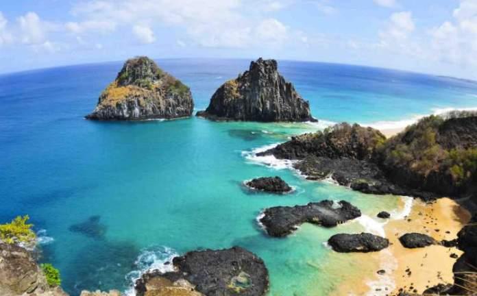 Praia Baía dos Porcos é uma das praias mais lindonas do Nordeste brasileiro