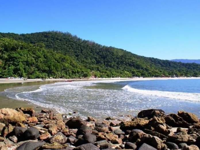 Praia Branca é uma das melhores praias do Guarujá