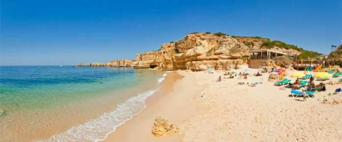 Praia da Coelha é uma das praias mais lindas de Albufeira em Portugal