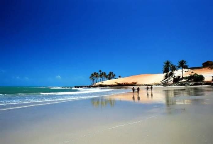 Praia de Carnaubinha é uma das Melhores Praias de Paracuru