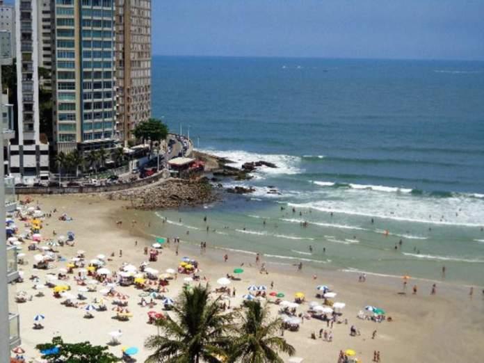 Praia de Pitangueiras é uma das melhores praias do Guarujá