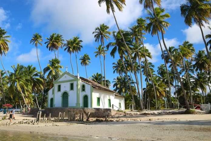 Praia dos Carneiros é uma das praias mais lindonas do Nordeste brasileiro