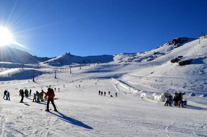Sierra Nevada na Espanha é um dos melhores destinos para esquiar