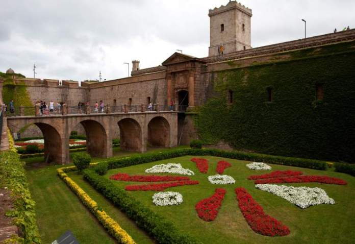 Castell de Montjuïc é uma das dicas para quem vai viajar a Barcelona