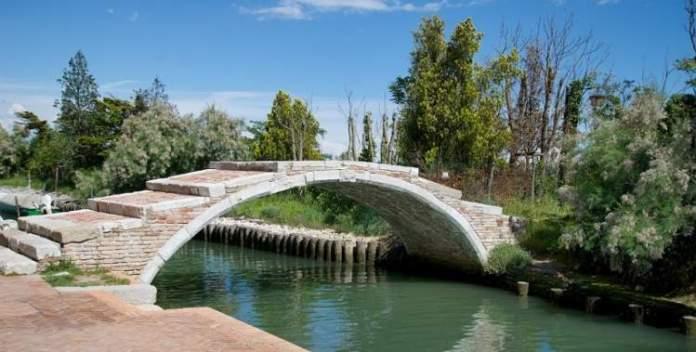 Conhecer Torcello é uma das dicas para quem vai viajar a Veneza