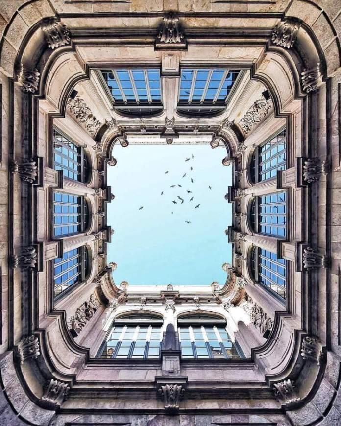 Palau Virreina é uma das atrações gratuitas em Barcelona