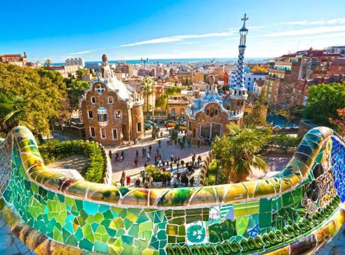 Parc Güell é uma das atrações gratuitas em Barcelona