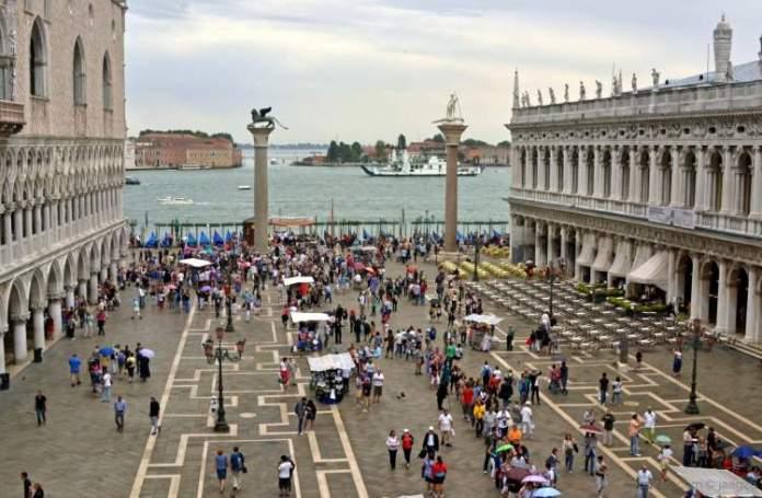 Praça de São Marcos é uma das atrações gratuitas em Veneza