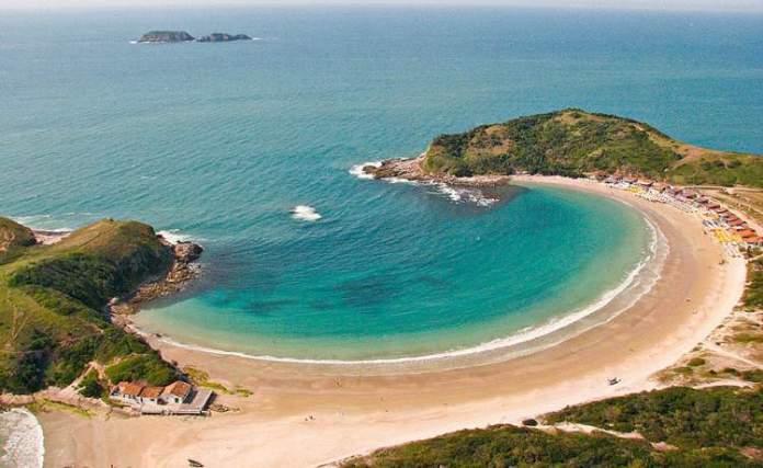 Praia das conchas é uma das melhores Praias da Região dos Lagos