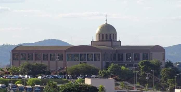 Santuário Basílica de Trindade é um dos lugares lindos em Goiás