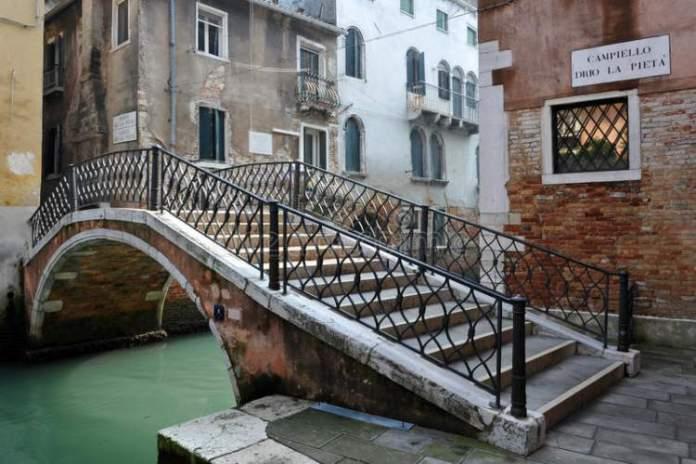 Escadarias ponte Veneza
