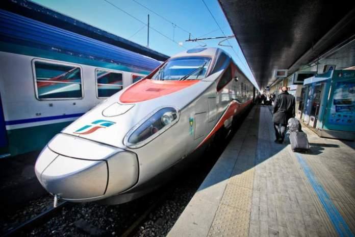 Viajar de trem é uma das dicas para quem vai viajar a Veneza