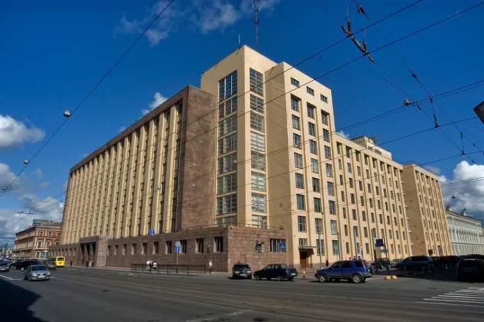 arquitetura do Bolshoi Dom é uma das atrações gratuitas em São Petersburgo