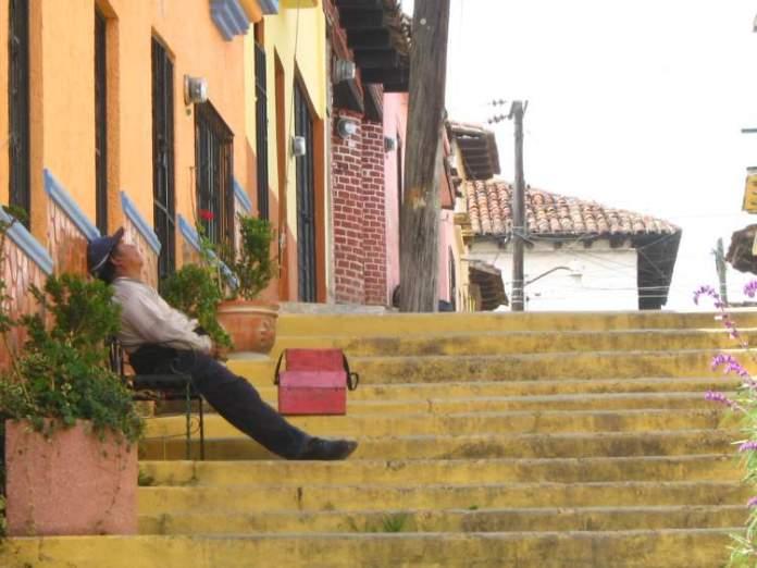 comerciantes fazem siesta após almoço é uma das dicas para quem vai viajar a Barcelona