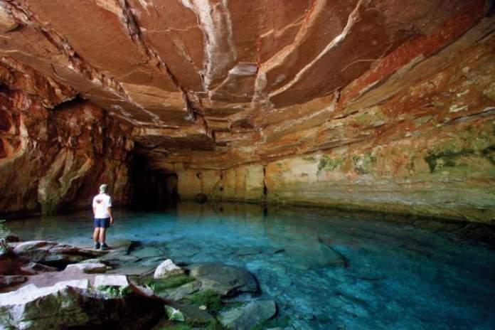 Caverna Arôe Jari é um dos Destinos no Brasil com Águas Cristalinas