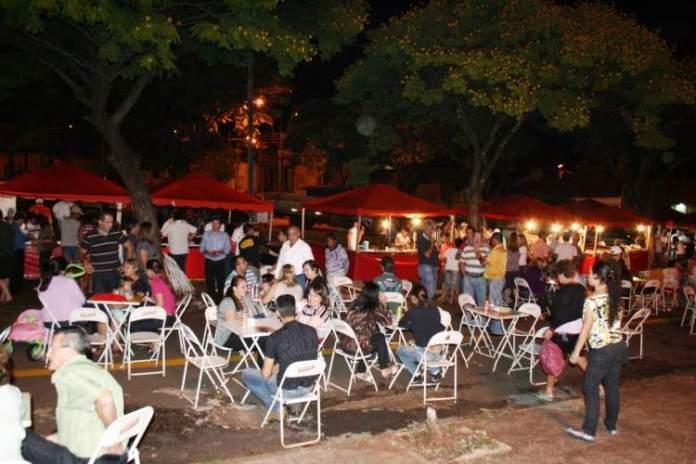 Feira da Lua na Praça Tamandaré é um dos lugares incríveis em Goiânia