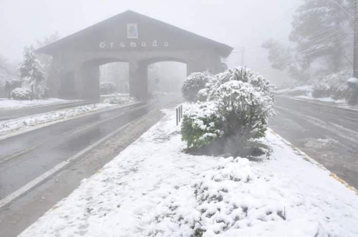 Gramado é uma das cidades que ficam mais charmosas no inverno