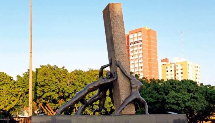 Monumento às Três Raças é um dos lugares incríveis em Goiânia