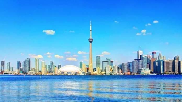 Toronto é um dos lugares impressionantes no Canadá