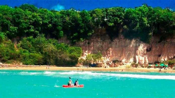 Tibau do Sul é um dos destinos com praia para quem ama se exercitar