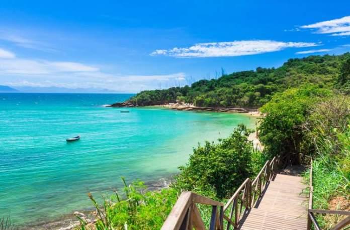 Búzios é um dos destinos baratos para viajar em outubro de 2019