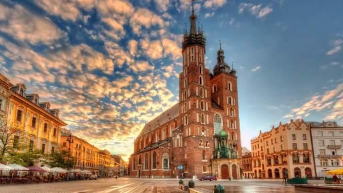 Cracóvia Polonia é um dos destinos baratos para viajar no exterior
