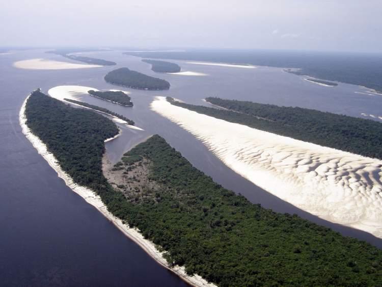 Arquipélago de Anavilhanas é um dos destinos baratos para viajar no norte do Brasil