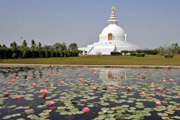 Lumbini Nepal é um dos lugares deslumbrantes na Ásia