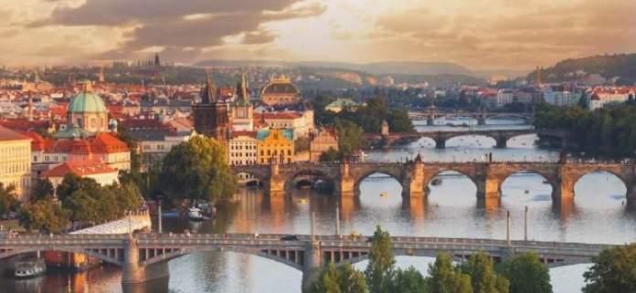 Praga é um dos destinos baratos para viajar pela Europa em 2019