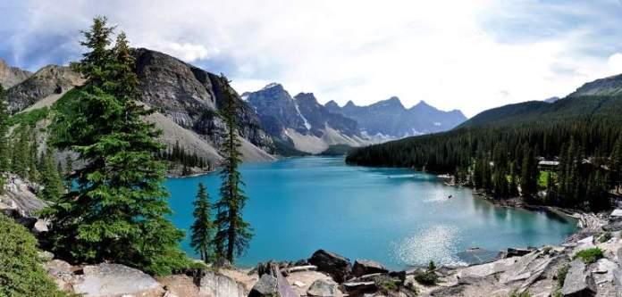 Lago Moraine no Canadá é um dos lugares mais lindos do mundo