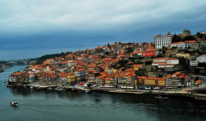 Porto em Portugal é um dos destinos baratos para conhecer na Europa