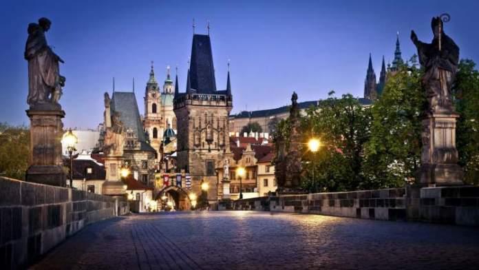 Praga na República Tcheca é um dos destinos baratos para conhecer na Europa