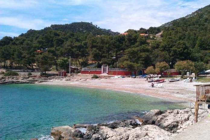 Praia de Milna é uma das melhores praias da Croácia