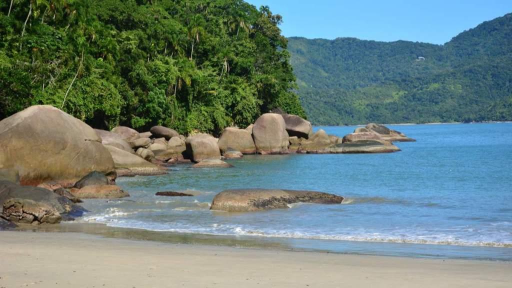 Praia Domingas Dias é considerada mais uma das belas praias em Ubatuba - São Paulo