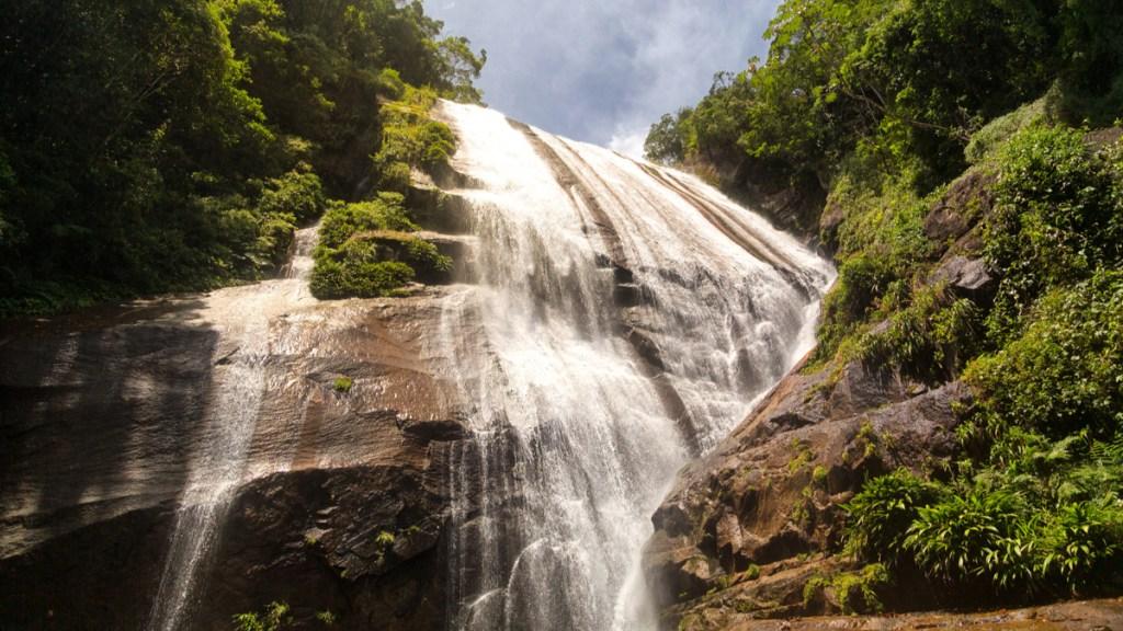 Cachoeira do Gato no Parque Estadual de Ilhabela - São Paulo