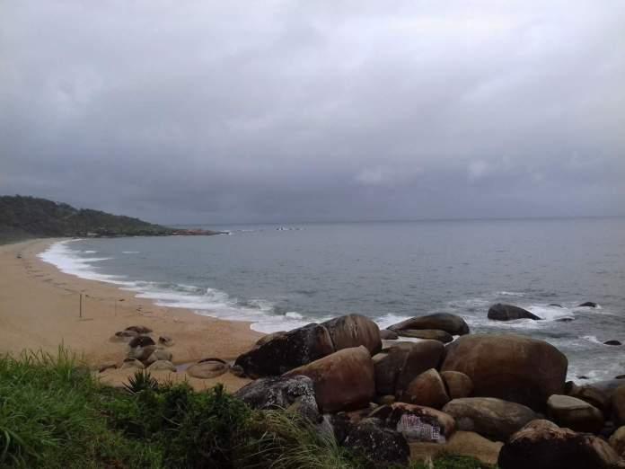 Praia da Ilhota em Itapema - Santa Catarina