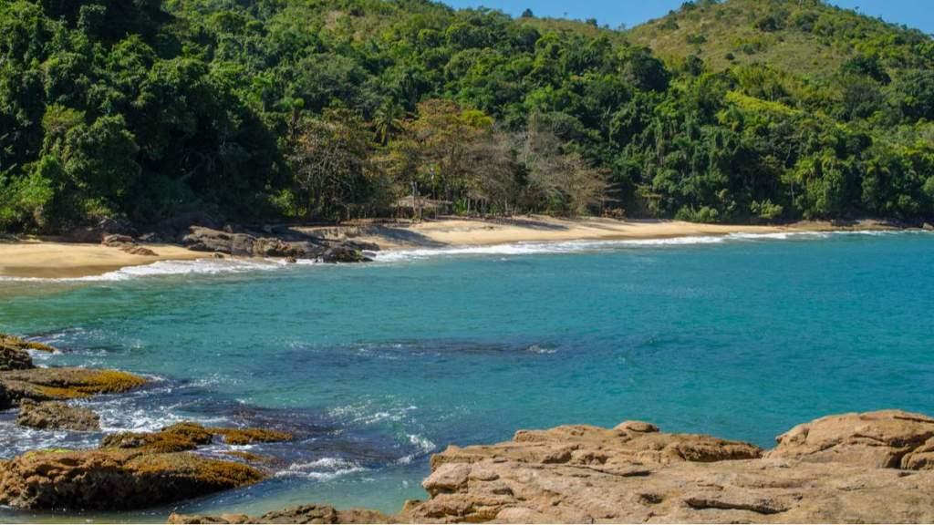 Praia do Cedro é uma das praias desertas em Ubatuba - São Paulo