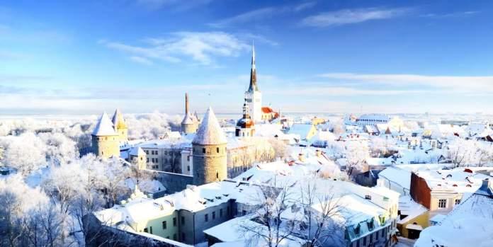 A cidade de Tallinn durante o Inverno