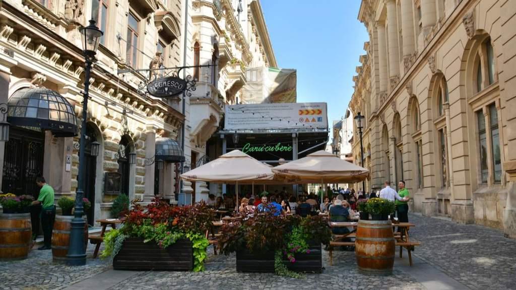 Caru' cu Bere - Restaurante na rua de Stavropoleos, cidade velha de Bucareste, Romênia.