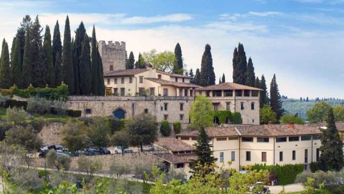 Vista no castelo Verazzano em Chianti na Toscana, Itália.