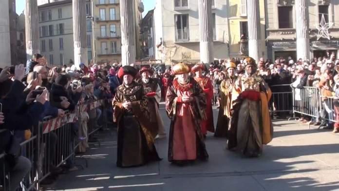 Corteo dei Re Magi em Milão, Itália.