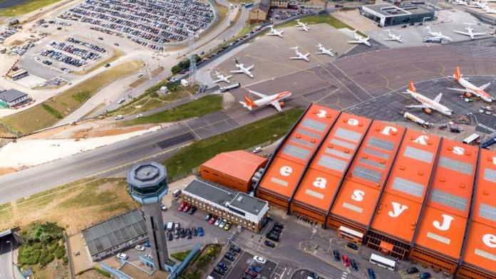 Aeroporto de Luton em Londres - Inglaterra