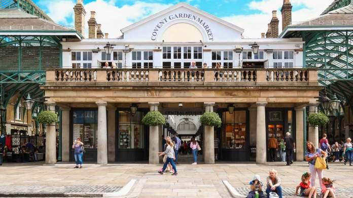 Piazza de Covent Garden em Londres - Inglaterra