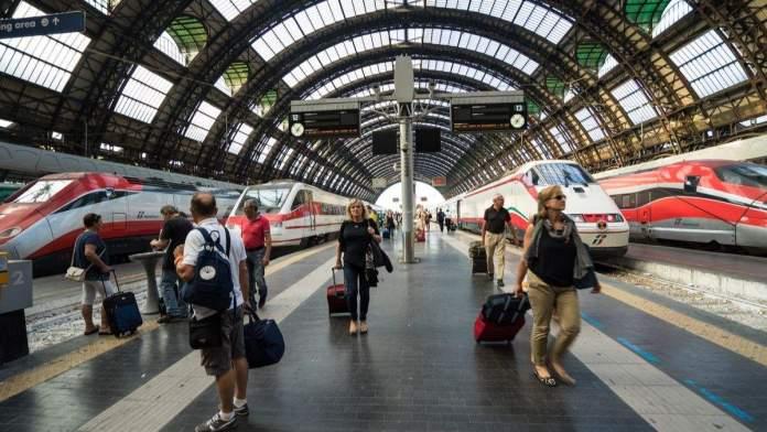 Estação Central de Milão, Itália