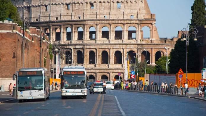 Ônibus em Roma - Itália