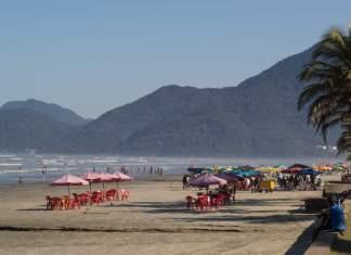 Praia do centro em Peruíbe - São Paulo