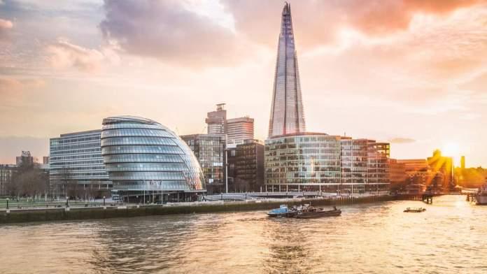 Prefeitura de Londres ao pôr do sol