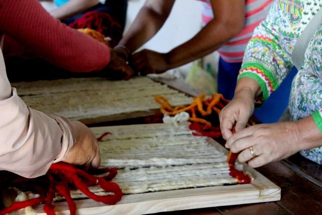 Taller de tejido en telar en El Espinal, Salta