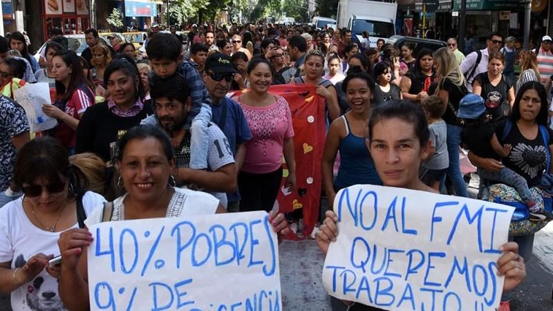 """Organizaciones sociales se movilizan para pedir """"un aumento urgente de ingresos"""""""